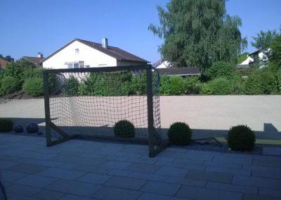 Gartengestaltung fast beendet durch den Fachbetrieb Gartenreich Patrick Schwab in Landau/Isar