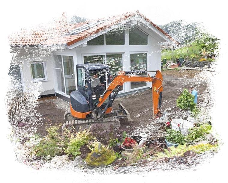 Der Fachbetrieb Gartenreich Patrick Schwab in Landau/Isar bietet professionell Baggerarbeiten an